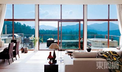 别墅落地玻璃窗